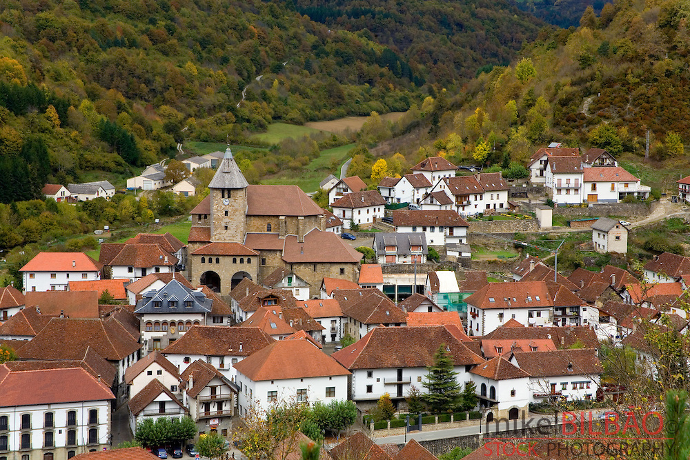 Ochagavia village. Salazar Valley, Roncal-Salazar County, Pyrenees, Navarre, Spain, Europe.