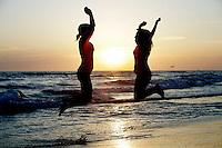 7 May 2010: Sisters Phoenix Hunter and Dakotah Hendricks at the beach for family photo session in Newport Beach, CA.