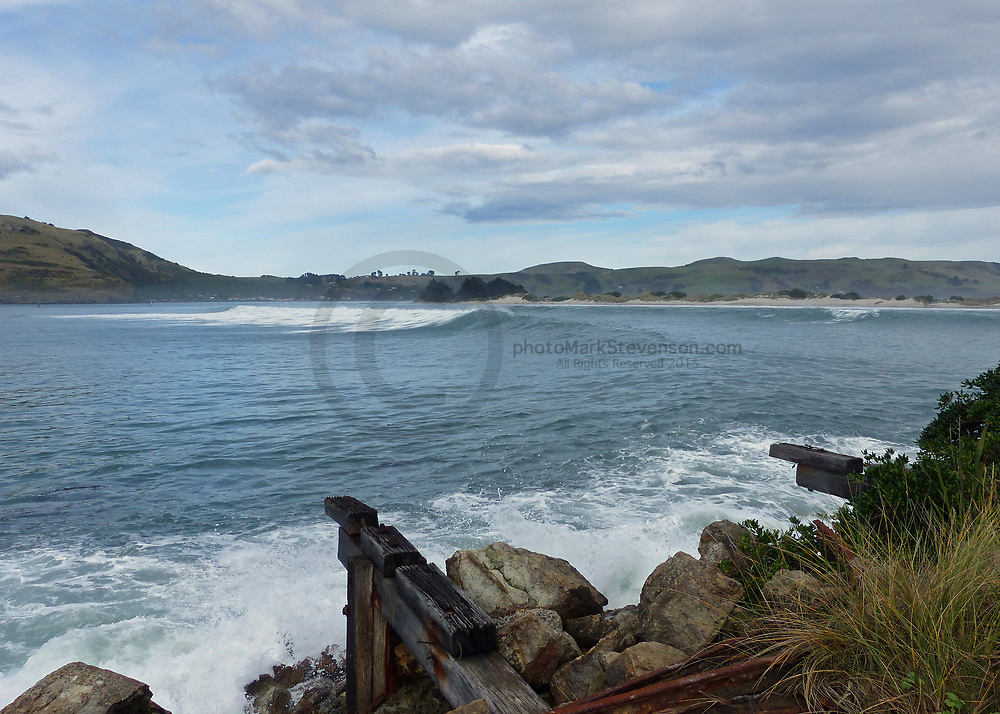 free surfing over Easter weekend (Saturday) 2017<br /> at the Spit, Mole, Shellys and Lures !!