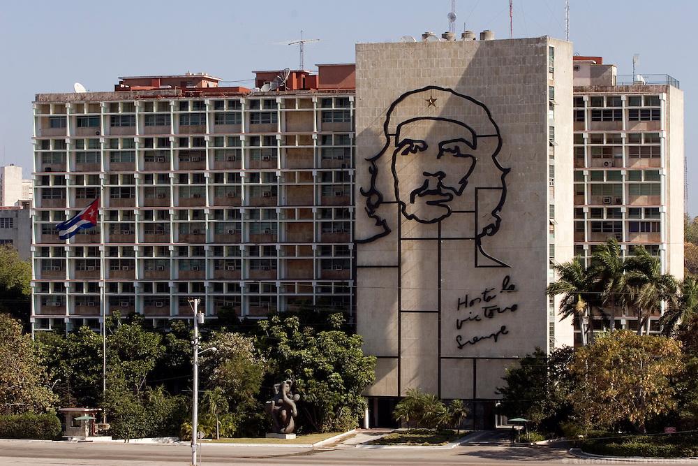 The face of Che Guevara on a building facing the Plaza de la Revolution in  Havana - CUBA