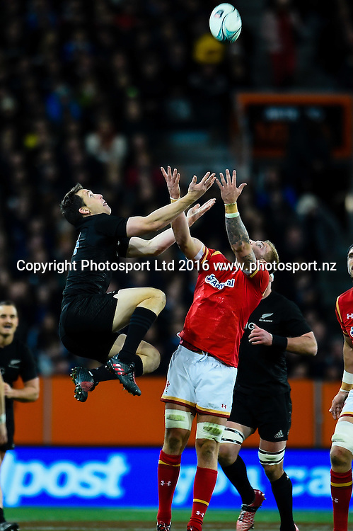 Ben Smith of the All Blacks and Ross Moriarty of Wales fight for a high ball during the 3rd Steinlager Series Rugby Union Test match, All Blacks v Wales, at Forsyth Barr Stadium, Dunedin, New Zealand. 25th June 2016. Copyright Photo: John Davidson / www.photosport.nz