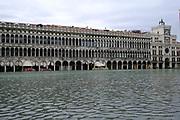 Piazza San Marco invasa dall'acqua alta. Venice - High Tide in St. Marcus Sq.