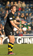 Wycombe, Great Britain, Wasps, Danny CIPRIANI, looks to the goal posts as he prepares to kick a penalty, during the  EDF Energy, Anglo Welsh, rugby Cup match, London Wasps vs London Irish,  at Adams Park, England, 08/10/2006. [Photo, Peter Spurrier/Intersport-images]....