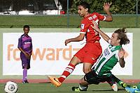 Fotball<br /> Tyskland<br /> 11.01.2014<br /> Foto: imago/Digitalsport<br /> NORWAY ONLY<br /> <br /> VfB Stuttgart vs. PEC Zwolle in Stellenbosch ; Tor von Mohammed Abdellaoue ( links / VFB ) / rechts: Joost Broerse ( Zwolle )