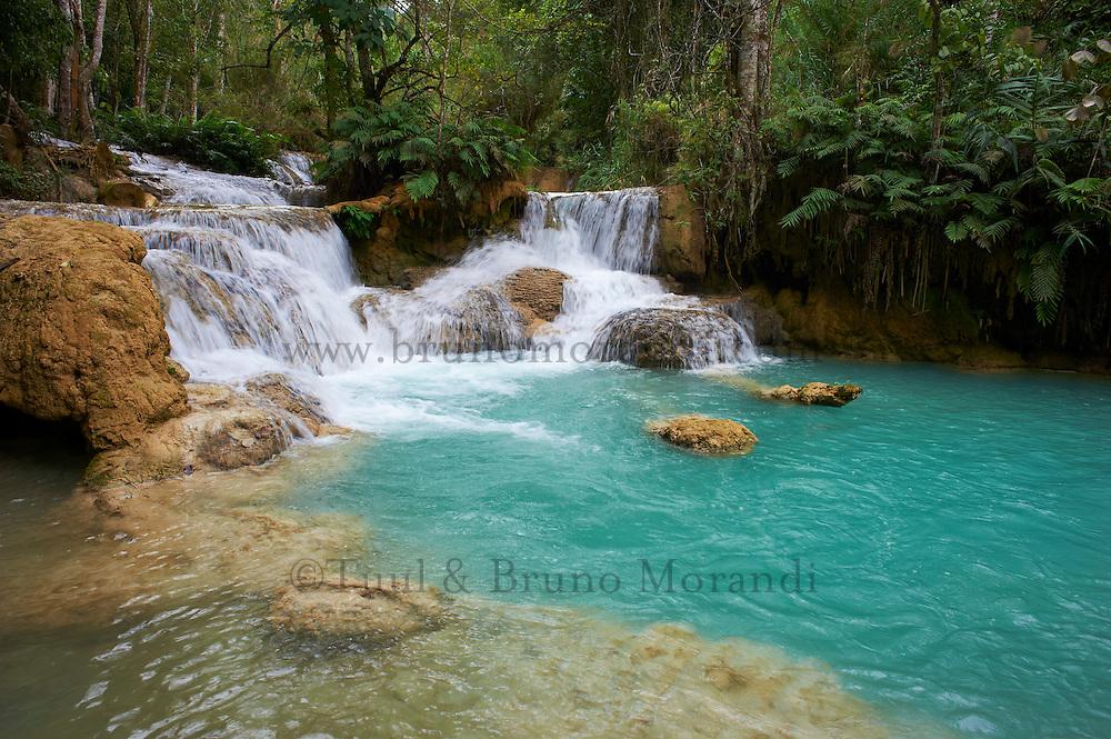 Laos, Province de Luang Prabang, chute de Tad Thong // Laos, Province of Luang Prabang, city of Luang Prabang, World heritage of UNESCO since 1995, Tad Thong waterfalls