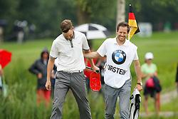 27.06.2015, Golfclub München Eichenried, Muenchen, GER, BMW International Golf Open, Tag 3, im Bild l-r: Anton Kirstein (GER) bedankt sich bei Caddie Stefan Kirstein // during the day three of BMW International Golf Open at the Golfclub München Eichenried in Muenchen, Germany on 2015/06/27. EXPA Pictures © 2015, PhotoCredit: EXPA/ Eibner-Pressefoto/ Kolbert<br /> <br /> *****ATTENTION - OUT of GER*****