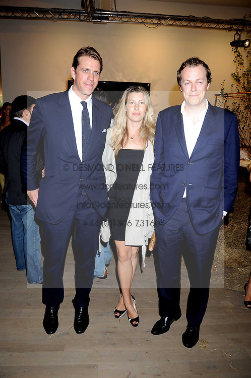 Left to right, BEN ELLIOT and TOM & SARA PARKER BOWLES at the Quintessentailly Summer Party at the Phillips de Pury Gallery, 9 Howick Place, London on 9th July 2008.<br />
