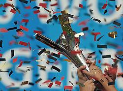 01.08.2010, , Bielefeld, GER, FIFA U-20 Frauen Worldcup, Deutschland vg Nigeria, im Bild der Pokal in der Hand der Frauen, EXPA Pictures © 2010, PhotoCredit: EXPA/ nph/  Roth+++++ ATTENTION - OUT OF GER +++++ / SPORTIDA PHOTO AGENCY