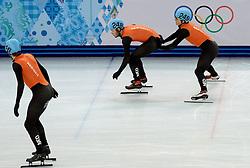 20-02-2014 SHORTTRACK: OLYMPIC GAMES: SOTSJI<br /> De training van het shorttrackteam ging vrij ontspannen aan toe. Er werd hoofdzakelijk getraind op de relay / Mannen relay met Sjinkie Knegt en Daan Breeuwsma<br /> ©2014-FotoHoogendoorn.nl