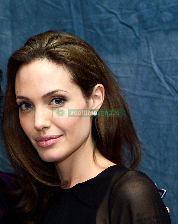 October 29, 2007 - Hollywood, California, U.S. - Angelina Jolie promoting ''Beowulf'' in Hollywood, California. October 29, 2007*** NO TABS / SKIN MAGS *** NO ITALY *** NO SALES TO AMI PUBLICATIONS *** EMBARGOED IN THE USA UNTIL January 29, 2008  (Credit Image: © Armando Gallo via ZUMA Studio)