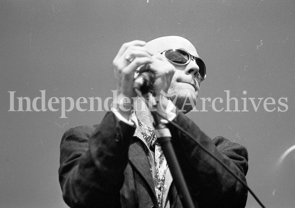 Headlining act REM on stage at Slane, 22/07/1995 (Part of the Indeoendent Newspapers Ireland/NLI Collection).