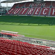 NLD/Utrecht/20080303 - Perspresentatie cast Voetbalvrouwen 2008, FC Utrecht veld en tribunes