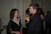 Art Review Dom Perignon Christmas dinner. Grosvenor Place. 14 December 2004. ONE TIME USE ONLY - DO NOT ARCHIVE  © Copyright Photograph by Dafydd Jones 66 Stockwell Park Rd. London SW9 0DA Tel 020 7733 0108 www.dafjones.com