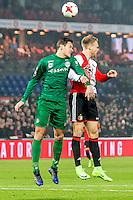 ROTTERDAM - Feyenoord - FC Groningen , Voetbal , Eredivisie , Seizoen 2016/2017 , Feijenoord stadion de Kuip , 11-02-2017 ,  eindstand 2-0 , FC Groningen speler Etienne Reijnen (l) in kop duel met Feyenoord speler Nicolai Jorgensen (r)