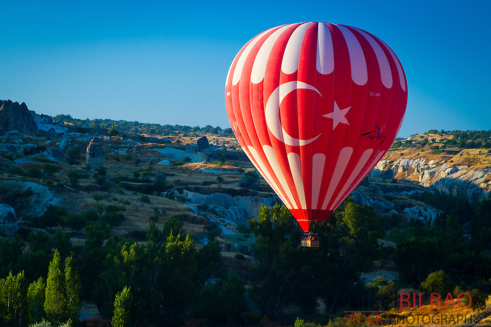 Hot-air ballon. Capadoccia, Turkey