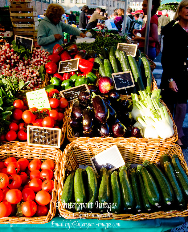 Rennes, FRANCE,  Aubergine, Courgett,e Tomatoes, Cucumber,  at the Saturday Morning Market,  Brittany.  Saturday  26/09/2009   [Mandatory Credit Peter Spurrier Intersport Images] Street Photo.