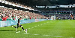03.08.2014, Weserstadion, Bremen, GER, Testspiel, SV Werder Bremen vs FC Chelsea, im Bild Zlatko Junuzovic (SV Werder Bremen #16) beim Treten eines Eckballs // during a friedly match between SV Werder Bremen and Chelsea FC at the Weserstadion in Bremen, Germany on 2014/08/03. EXPA Pictures © 2014, PhotoCredit: EXPA/ Andreas Gumz<br /> <br /> *****ATTENTION - OUT of GER*****