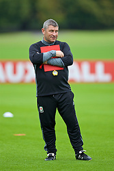 CARDIFF, WALES - Friday, September 2, 2016: Wales' assistant manager Osian Roberts during a training session at the Vale Resort ahead of the 2018 FIFA World Cup Qualifying Group D match against Moldova. (Pic by David Rawcliffe/Propaganda)