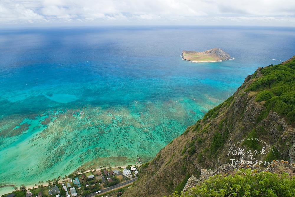 Manana (Rabbit) Island, from the Makapu'u cliffs, Oahu, Hawaii