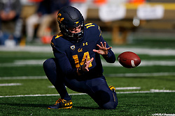 BERKELEY, CA - DECEMBER 01: Quarterback Chase Forrest #14 of the California Golden Bears fields a snap before the game against the Stanford Cardinal at California Memorial Stadium on December 1, 2018 in Berkeley, California. The Stanford Cardinal defeated the California Golden Bears 23-13. (Photo by Jason O. Watson/Getty Images) *** Local Caption *** Chase Forrest