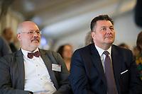DEU, Deutschland, Germany, Berlin, 15.01.2020: Engelhard Mazanke, Direktor des Landesamtes für Einwanderung, mit Berlins Innensenator Andreas Geisel (SPD) bei der Eröffnungsveranstaltung des neuen Landesamts für Einwanderung. Seit Anfang des Jahres hat Berlin als erstes Bundesland ein eigenständiges Landesamt für Einwanderung.