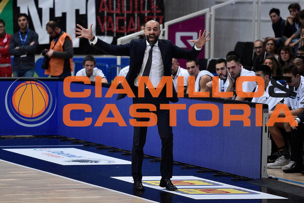 Buscaglia Maurizio<br /> Dolomiti Energia Trento - Vanoli Cremona<br /> Lega Basket Serie A 2016/2017<br /> Trento 09/10/2016<br /> Foto Ciamillo-Castoria