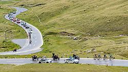 07.07.2017, St. Johann Alpendorf, AUT, Ö-Tour, Österreich Radrundfahrt 2017, 5. Kitzbühel - St. Johann/Alpendorf (212,5 km), im Bild das Feld auf der Grossglockner Hochalpenstrasse // Riders on the Grossglockner Hochalpenstrasse during the 5th stage from Kitzbuehel - St. Johann/Alpendorf (212,5 km) of 2017 Tour of Austria. St. Johann Alpendorf, Austria on 2017/07/07. EXPA Pictures © 2017, PhotoCredit: EXPA/ JFK