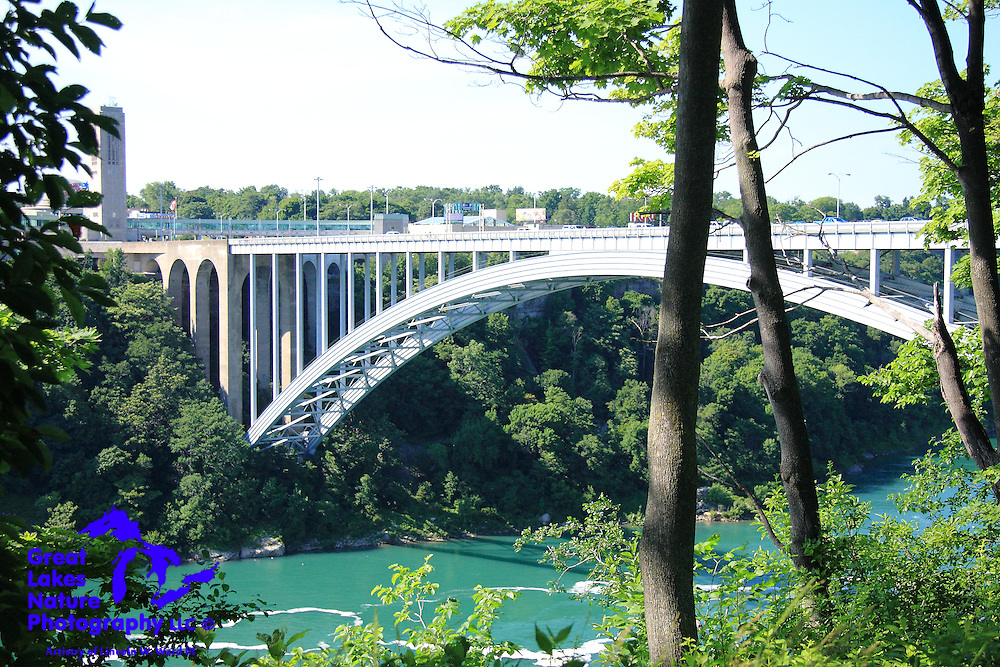 Rainbow Bridge, which connects Canada and the US over the Niagara Gorge, is a beautiful example of engineering in a profoundly magnificent natural setting.