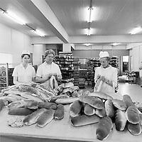 Fr&aacute; bakar&iacute;inu Brau&eth;, 1969<br /> <br /> The Brau&eth; bakery, 1969
