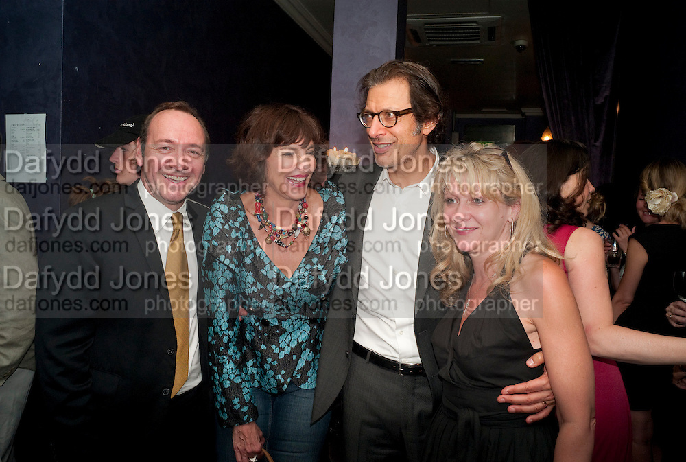 KEVIN SPACEY; MERCEDES RUEHL; JEFF GOLDBLUM; SONIA FRIEDMAN, The Old Vic at the Vaudeville Theatre ' The Prisoner of Second Avenue'  press night. After-party at Jewel. 13 July 2010. -DO NOT ARCHIVE-© Copyright Photograph by Dafydd Jones. 248 Clapham Rd. London SW9 0PZ. Tel 0207 820 0771. www.dafjones.com.