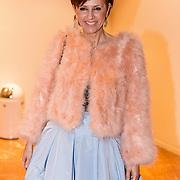 NLD/Amsterdam/20191114 - Prinses Beatrix en Prinses Margriet bij jubileum Dansersfonds, Chazia Mourali