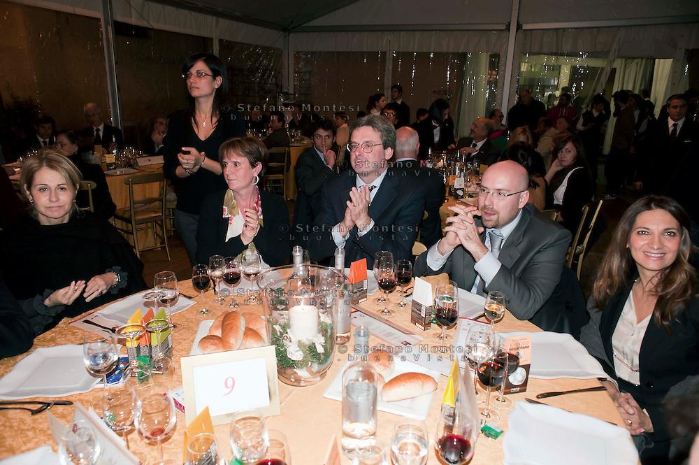 Roma 13  Dicembre 2011.Cena organizzata dalla Caritas diocesana di Roma per raccogliere fondi per l'Ostello Caritas...