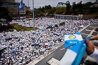 Citizens in opposition of the President with a near by park as citizens take to the streets as a day of protest in connection with Guatemala's President Alvaro Colom fill the Central Plaza in Guatemala City May 17, 2009. . Thousands of protesters took to the streets of the capital  Sunday in two separated rival marches, one in support of the President and one denouncing President Alvaro Colom who was accused this week of murder, money laundering and having ties with narco-traffickers.(Darren Hauck)