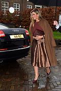 Koningin Maxima is aanwezig bij de ondertekening lening Europese Investeringsbank aan Qredits in de Hermitage, Amsterdam .<br /> <br /> Queen Maxima was present at the signing loan European Investment Bank Qredits  in the Hermitage, Amsterdam .<br /> <br /> op de foto / On the photo:  Aankomst Koningin Maxima / Arrival Queen Maxima