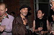 Ron Arad. The Serpentine Summer party co-hosted by Jimmy Choo. The Serpentine Gallery. 30 June 2005. ONE TIME USE ONLY - DO NOT ARCHIVE  © Copyright Photograph by Dafydd Jones 66 Stockwell Park Rd. London SW9 0DA Tel 020 7733 0108 www.dafjones.com