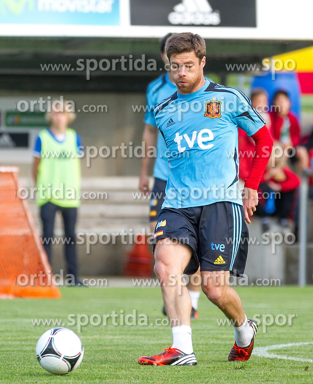 24.05.2012, Sportplatz Golm FC Schruns, Schruns, AUT, UEFA EURO 2012, Trainingslager, Spanien, im Bild Xabi Alonso (ESP) // Xabi Alonso of Spain during of Spanish National Footballteam for preparation UEFA EURO 2012 at Sportplatz Golm FC Schruns, Schruns, Austria on 20120524. EXPA Pictures © 2012, PhotoCredit EXPA/ Peter Rinderer