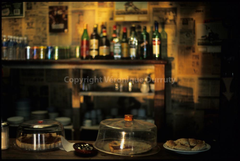 Patagonia, Argentina : road cafe