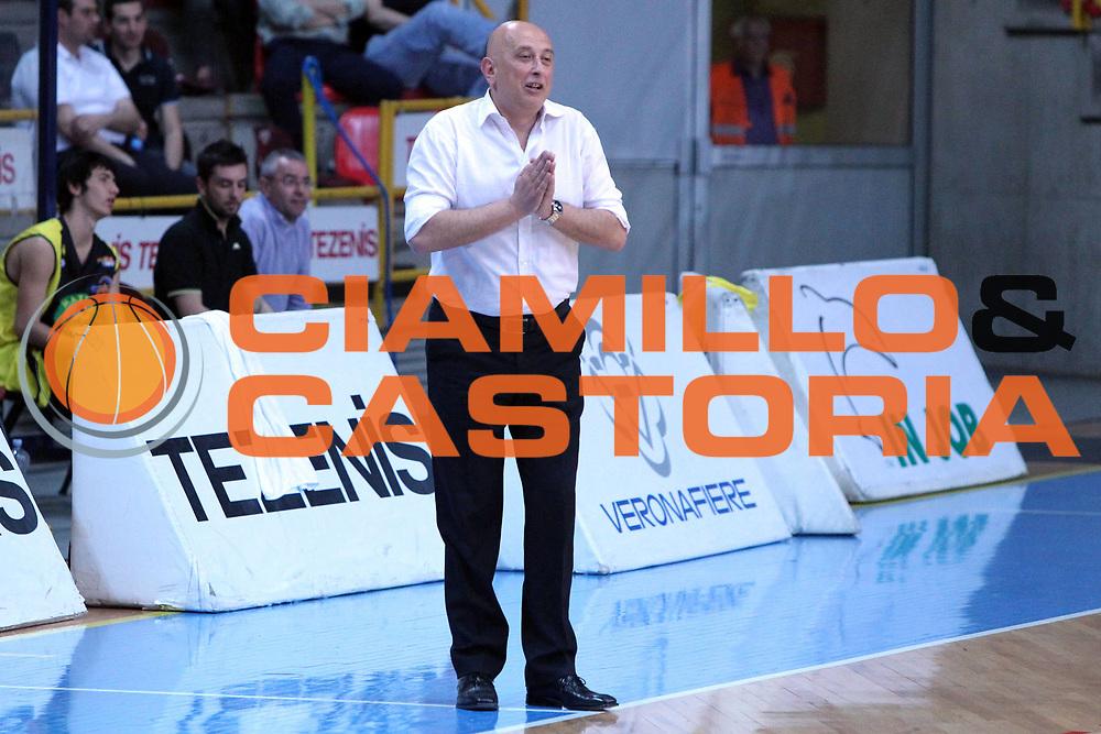 DESCRIZIONE : Verona Lega Basket A2 2010-11 Tezenis Verona Mazzeo San Severo<br /> GIOCATORE : Maurizio Bartocci Coach<br /> SQUADRA : Tezenis Verona Mazzeo San Severo <br /> EVENTO : Campionato Lega A2 2010-2011<br /> GARA : Tezenis Verona Mazzeo San Severo <br /> DATA : 09/04/2011<br /> CATEGORIA : Ritratto<br /> SPORT : Pallacanestro <br /> AUTORE : Agenzia Ciamillo-Castoria/G.Contessa<br /> Galleria : Lega Basket A2 2009-2010 <br /> Fotonotizia : Verona Lega A2 2010-11 Tezenis Verona Mazzeo San Severo<br /> Predefinita :
