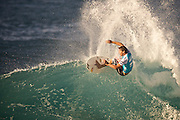 Andy Iron,surf photo,Pipe ,contest,surf photo,pipe master.