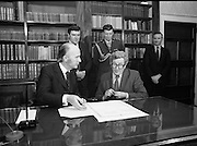 Dissolution of   22nd Dáil Éireann 1982. .27/01/1982.01/27/82.27th January 1982.Image of President Patrick Hillary and Taoiseach Garret Fitzgerald after signing the warrant of dissolution. The signing was carried out at  Áras an Uachtaráin.