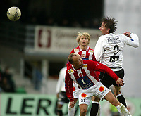 Fotball, 26. april 2003, Tippeligaen, Sogndal-Tromsø 3-1. Anders Stadheim, Sogndal, og Roar Christensen, Tromsø
