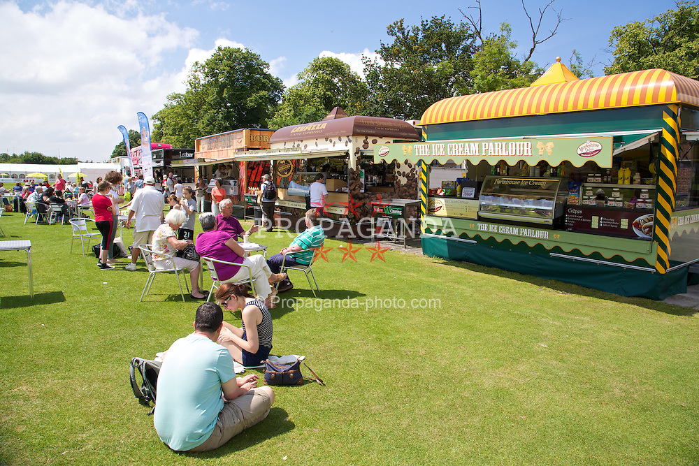 LIVERPOOL, ENGLAND - Sunday, June 22, 2014: Spectators enjoy the hospitality during Day Four of the Liverpool Hope University International Tennis Tournament at Liverpool Cricket Club. (Pic by David Rawcliffe/Propaganda)