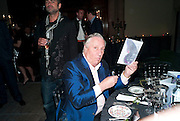 FREDERICK FORSYTH, Amanda Eliasch birthday dinner. North Audley st. London. 12 May 2010. -DO NOT ARCHIVE-© Copyright Photograph by Dafydd Jones. 248 Clapham Rd. London SW9 0PZ. Tel 0207 820 0771. www.dafjones.com.