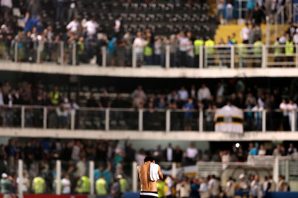 SANTOS X S&atilde;o Paulo - CAMPEONATO BRASILEIRO - 02/10/2013<br /> ESPORTE -  Ganso ap&oacute;s jogo entre Santos e S&atilde;o Paulo, v&aacute;lido pela 25&ordf; rodada do Campeonato Brasileiro de 2013, realizado no est&aacute;dio da Vila Belmiro, na cidade de Santos. FOTO: DANIEL GUIMAR&Atilde;ES/FRAME