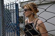 L'artista Daniela Papadia nel carcere di  Rebibbia durante la preparazione della performance la Tavola dell'Alleanza <br /> <br /> The artist Daniela Papadia in Rebibbia prison during the preparation of the performance the Table of the Alliance