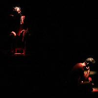 """Toluca, Méx.- Actores performance de la compañia argentina Laboratorio del Rayo misterioso durante la presentacion de la obra La Consagración de las furias<br /> en el encuentro internacional de teatro """"del cuerpo"""". Agencia MVT / Mario Vazquez de la Torre. (DIGITAL)<br /> <br /> NO ARCHIVAR - NO ARCHIVE"""