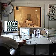 laboratorio di Risonanza Magnetica dell'Ospedale Santa Corona di Pietra Ligure (SV) .22 agosto 2011