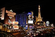 "US-LAS VEGAS: Las Vegas Boulevard (""Te Strip"") hotel/casino's Barbary Coast, Ballys and Paris. .PHOTO GERRIT DE HEUS"