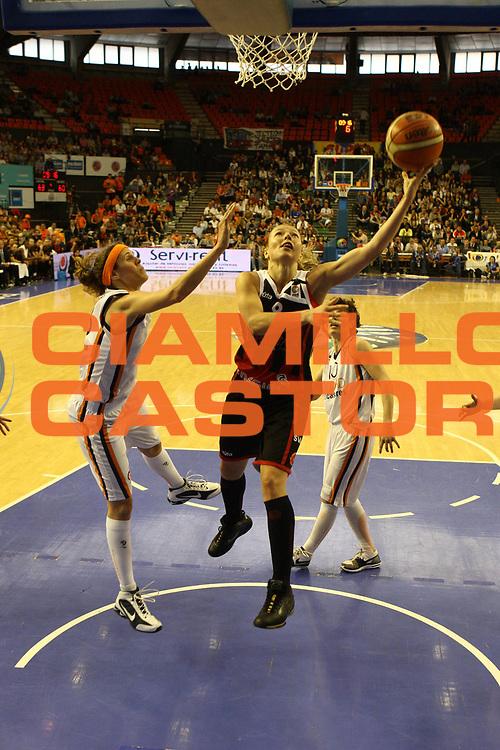 DESCRIZIONE : Valencia Fiba Euroleague Women 2009-2010 Final Finale Spartak Moscow Region Ros Casares<br /> GIOCATORE : Ilona Korstin<br /> SQUADRA : Spartak Moscow Region<br /> EVENTO : Euroleague Women 2009-2010<br /> GARA : Spartak Moscow Region Ros Casares<br /> DATA : 11/04/2010<br /> CATEGORIA : tiro<br /> SPORT : Pallacanestro <br /> AUTORE : Agenzia Ciamillo-Castoria/ElioCastoria<br /> Galleria : Fiba Europe Euroleague Women 2009-2010 Final Four<br /> Fotonotizia : Valencia Fiba Euroleague Women 2009-2010 Final Four Finale Spartak Moscow Region Ros Casares<br /> Predefinita :