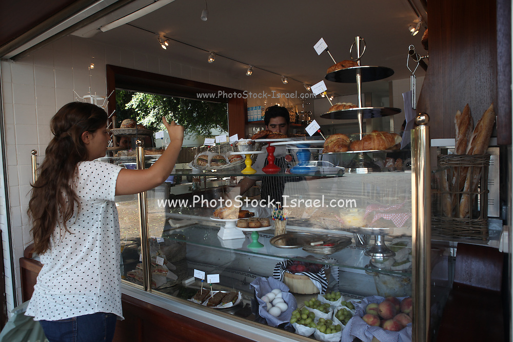 Israel, Tel Aviv, an outdoor coffee bar in Ben-Zion Boulevard